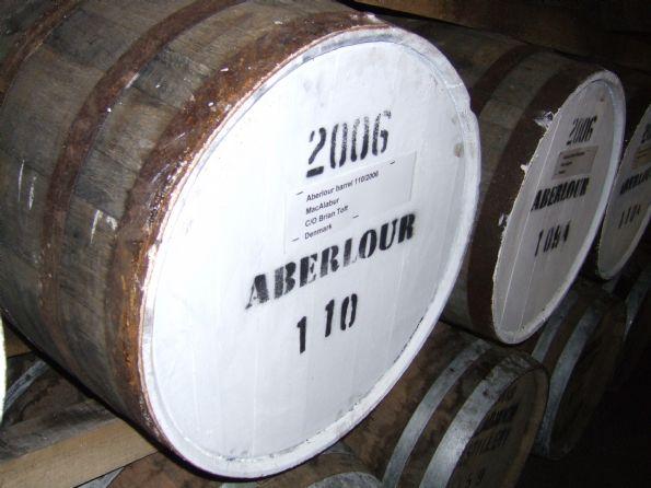 Aberlour fadet <br /> Her ses MacAlaburs fad no. 6 - et Aberlour fad fra 2006 <br /><br /> Billedet er uploaded af: <b>BrianToft</b>